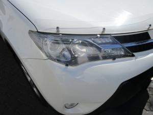 Toyota RAV4 2.2D-4D GX - Image 6