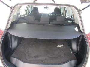 Toyota RAV4 2.2D-4D GX - Image 8