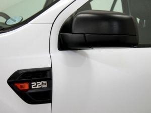 Ford Everest 2.2 TdciXLS - Image 38