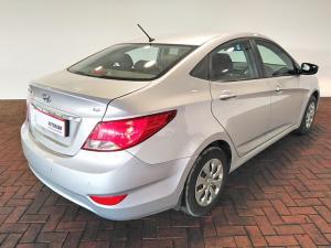 Hyundai Accent hatch 1.6 Fluid auto - Image 3