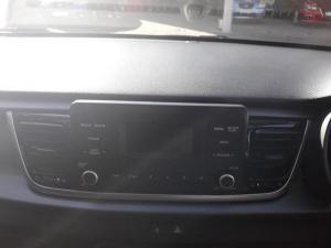 Kia RIO 1.4 5-Door automatic - Image 8