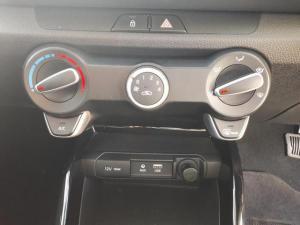 Kia RIO 1.4 5-Door automatic - Image 9