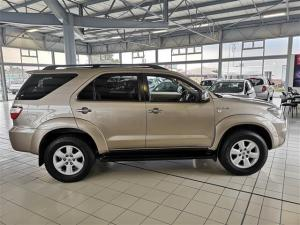 Toyota Fortuner 3.0D-4D Raised Body - Image 9