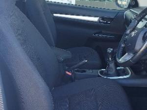 Toyota Hilux 2.8GD-6 4x4 Raider - Image 5
