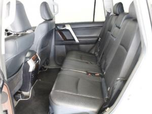 Toyota Land Cruiser Prado 4.0 VX - Image 13