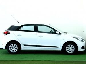 Hyundai i20 1.2 Motion - Image 17