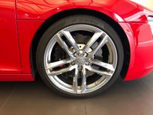 Audi R8 4.2 FSi Quattro S Tronic - Image 5