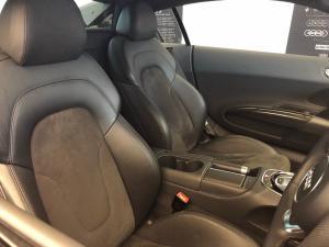 Audi R8 4.2 FSi Quattro S Tronic - Image 6