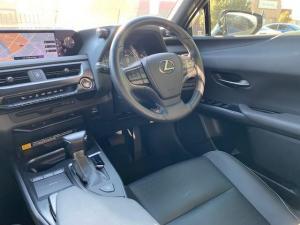 Lexus UX 200 EX - Image 18