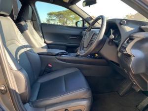 Lexus UX 200 EX - Image 22