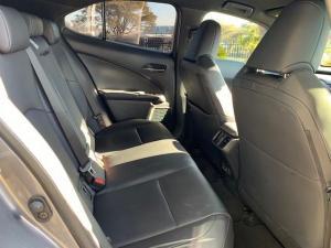 Lexus UX 200 EX - Image 23