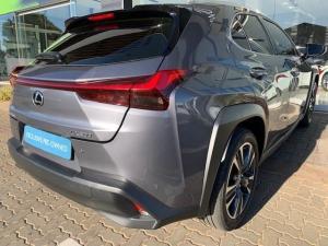 Lexus UX 200 EX - Image 38
