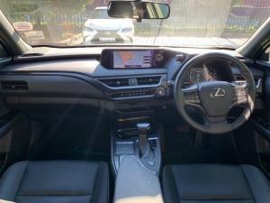 Lexus UX 200 EX - Image 9
