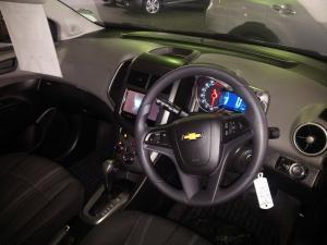 Chevrolet Sonic sedan 1.6 LS auto - Image 6