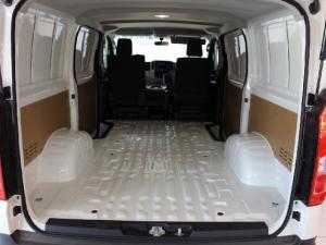 Toyota Quantum 2.8 LWB panel van - Image 12