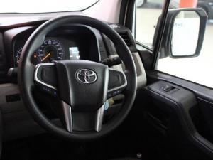 Toyota Quantum 2.8 LWB panel van - Image 9