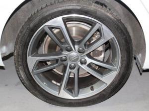 Audi A4 2.0T FSI Stronic - Image 8