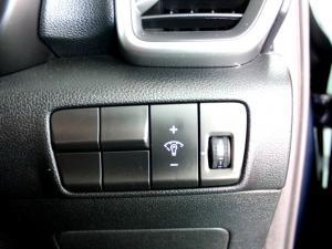 Kia Sportage 2.0 Crdi Ignite + automatic - Image 13