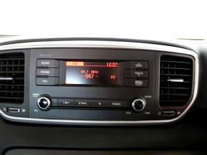 Kia Sportage 2.0 Crdi Ignite + automatic - Image 15