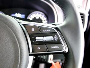 Kia Sportage 2.0 Crdi Ignite + automatic - Image 19