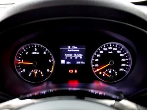 Kia Sportage 2.0 Crdi Ignite + automatic - Image 22