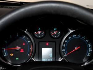 Chevrolet Cruze 1.6 L - Image 15