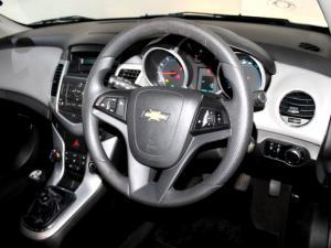 Chevrolet Cruze 1.6 L - Image 18