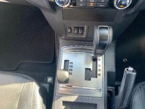 Mitsubishi Pajero 3.2 Di - Dc GLS automatic - Image 10