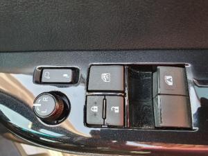 Toyota Hilux 2.8 GD-6 RB Raider automaticE/CAB - Image 6