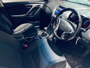 Hyundai Elantra 1.8 GLS/EXECUTIVE - Image 6