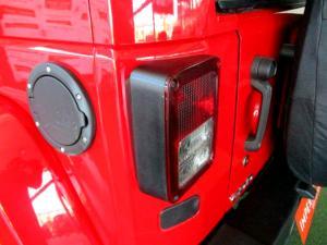 Jeep Wrangler 2.8 CRD Unltd Sahara automatic - Image 11