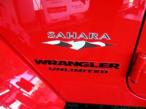 Jeep Wrangler 2.8 CRD Unltd Sahara automatic - Image 12