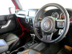 Jeep Wrangler 2.8 CRD Unltd Sahara automatic - Image 17
