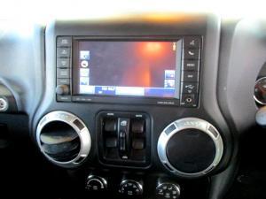 Jeep Wrangler 2.8 CRD Unltd Sahara automatic - Image 23