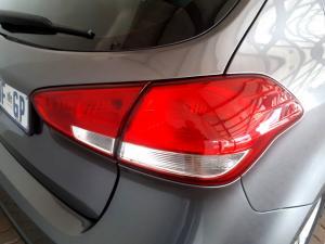 Kia Cerato 2.0 EX 5-Door - Image 17