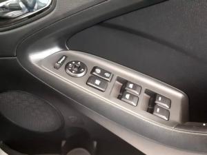 Kia Cerato 2.0 EX 5-Door - Image 24
