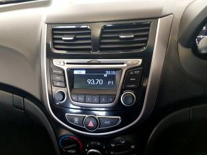 Hyundai Accent 1.6 GLS/FLUID automatic - Image 19