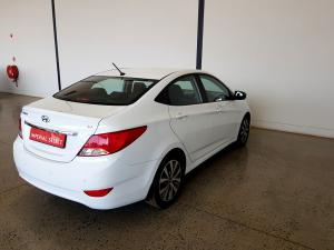 Hyundai Accent 1.6 GLS/FLUID automatic - Image 4