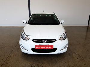 Hyundai Accent 1.6 GLS/FLUID automatic - Image 5