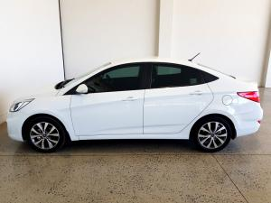 Hyundai Accent 1.6 GLS/FLUID automatic - Image 7