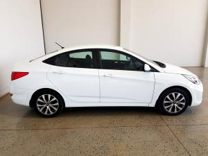 Hyundai Accent 1.6 GLS/FLUID automatic - Image 8