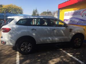 Ford Everest 3.2TDCi XLT - Image 6