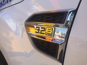 Ford Everest 3.2TDCi XLT - Image 4