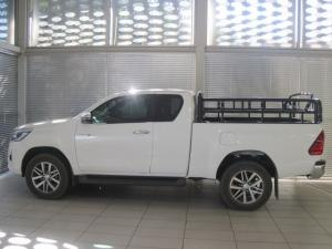 Toyota Hilux 2.8 GD-6 RB Raider 4X4 automaticE/CAB - Image 4