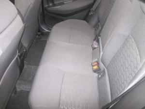 Toyota Auris 1.2T XS - Image 10