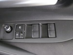 Toyota Auris 1.2T XS - Image 11