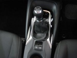Toyota Auris 1.2T XS - Image 13