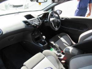 Ford Fiesta ST 1.6 Ecoboost Gdti - Image 5