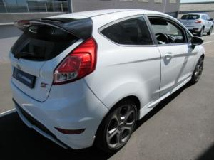 Ford Fiesta ST 1.6 Ecoboost Gdti - Image 8