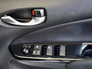 Toyota Yaris 1.5 Xs 5-Door - Image 22